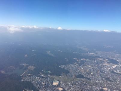 福岡空港から宮崎行きのANA 3121から風景2:上空