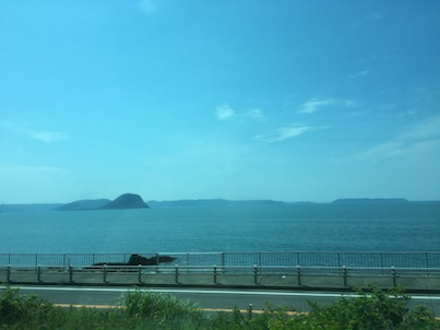 里帰りと唐津の海が綺麗でした・・