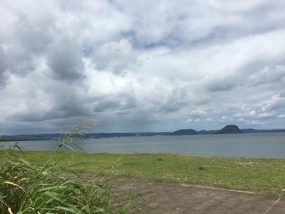 唐津の浜崎海岸の夏風景