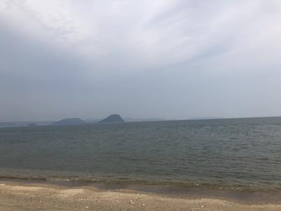 唐津城と浜崎海岸の風景
